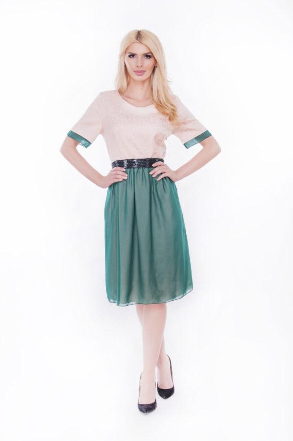 rochie-de-seara-xxl-online-cu-aplicatii-in-talie