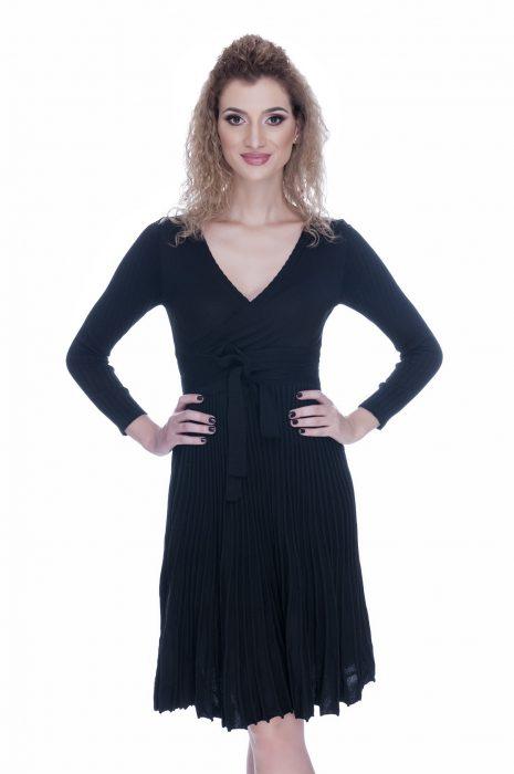 Rochie eleganta de zi tricotata neagra