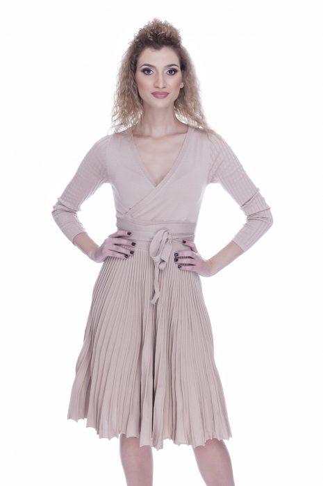 Rochie tricotata eleganta de zi beige