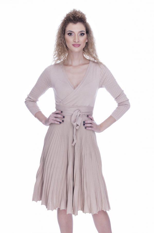 rochie-tricotata-eleganta-de-zi-beige