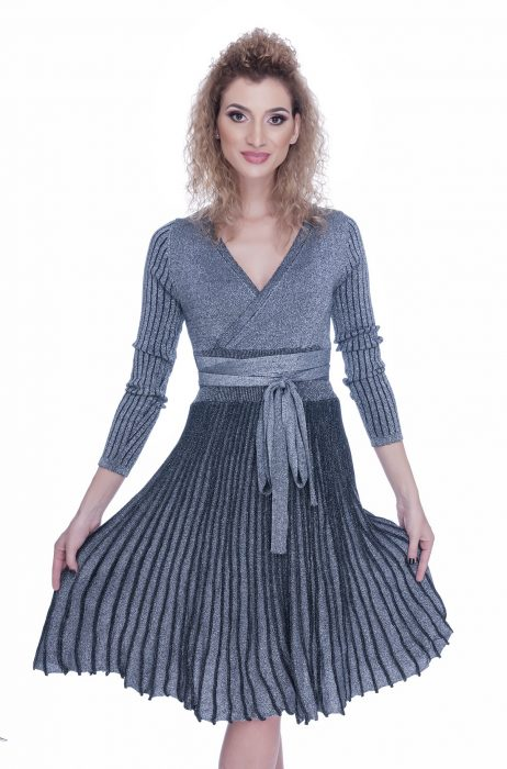Rochie tricotata eleganta de zi gri