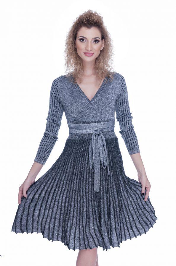 rochie-tricotata-eleganta-de-zi-gri