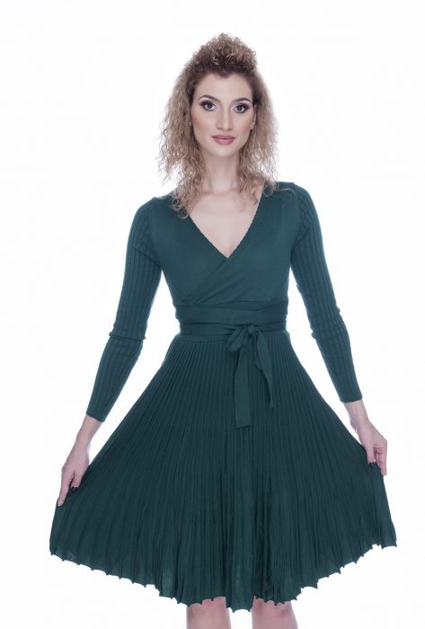 Rochie tricotata eleganta de zi verde