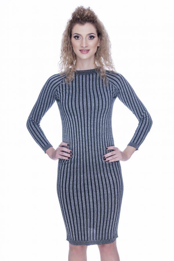 rochie-tricotata-neagra-cu-insertii-de-fir-argintiu