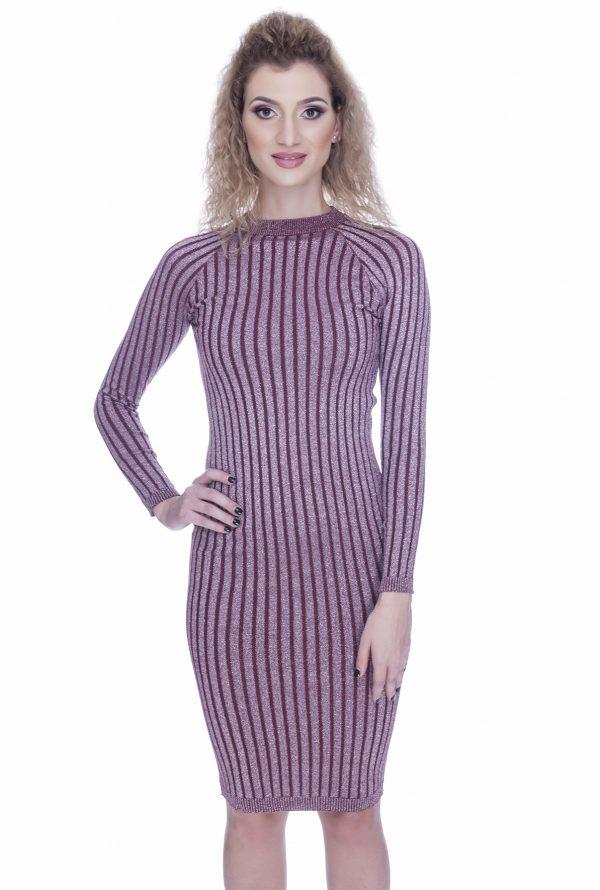 rochie-tricotata-rosie-cu-fir-de-lurex