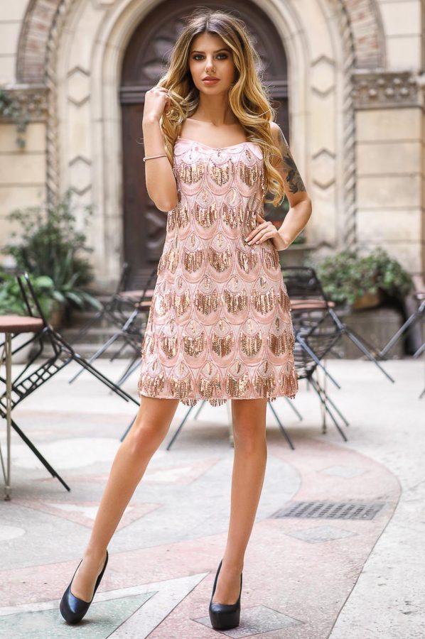 rochie-din-paiete-roz