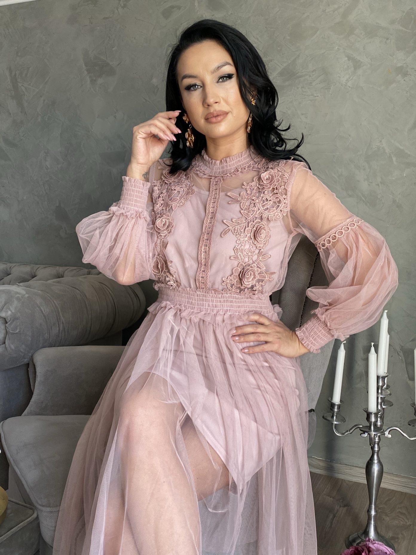 Rochii de ocazie roz prafuit pentru banchet, nunta sau botez.