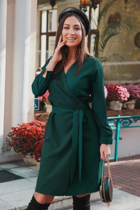 Rochie de zi verde eleganta pentru zilele aglomerate la birou