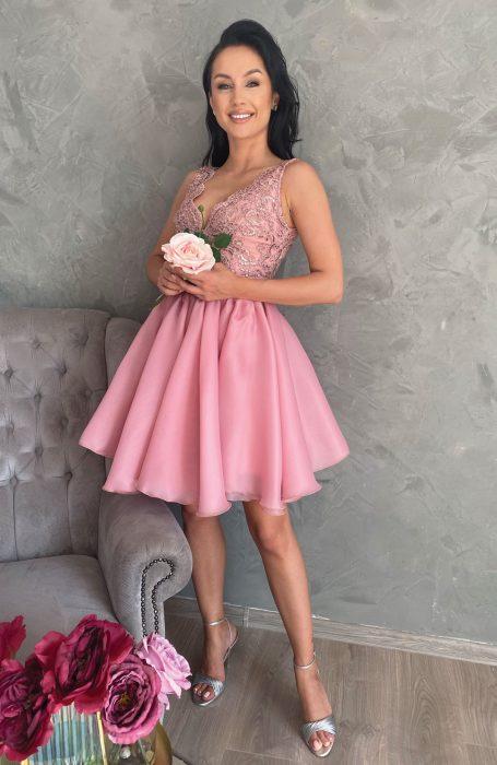 Rochie eleganta de ocazie roz din dantela si voal pentru nunta, botez sau banchet.