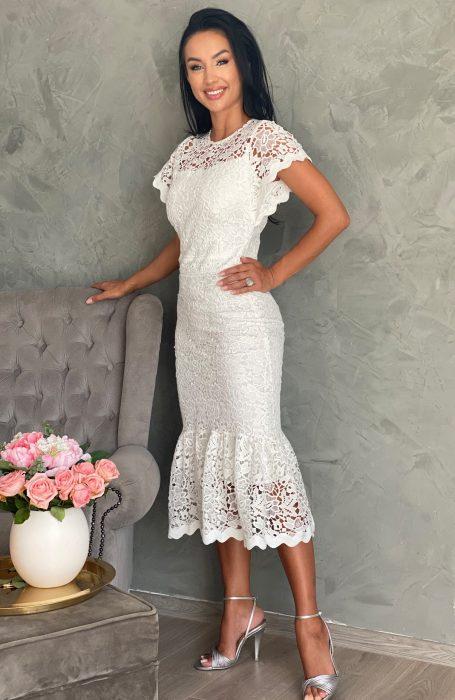 Rochie de cununie alba midi pentru cand vei spune ,,da,,. Alege sa stralucesti intr-o rochie alba din dantela.
