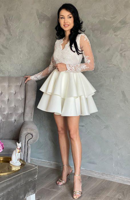 Rochie de cununie alba pentru viitoare mirese. Alege sa porti la starea civila o rochie eleganta cu dantela.