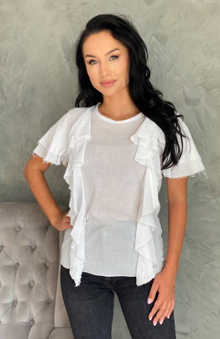 Bluza alba dama din bumbac cu volane vine sa completeze tinute elegante. Combina bluzele albe din bumbac atat cu blugi cat si cu fuste.