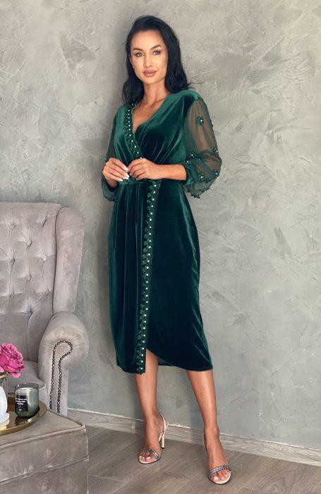 Rochie de ocazie din catifea verde cu aplicatii alegerea inspirata pentru petrecerile la care participi.