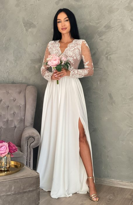 Rochie de cununie alba lungaplina de rafinament si eleganta! Pentru una dintre cele mai importante zile din viata ta alege o rochie lunga pentru cununia civila perfecta pentru personalitatea ta.